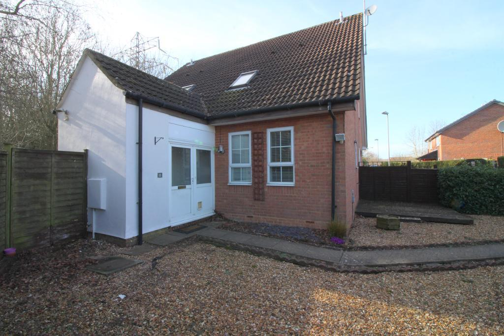Shingle Close, Luton, Bedfordshire, LU3 4AR