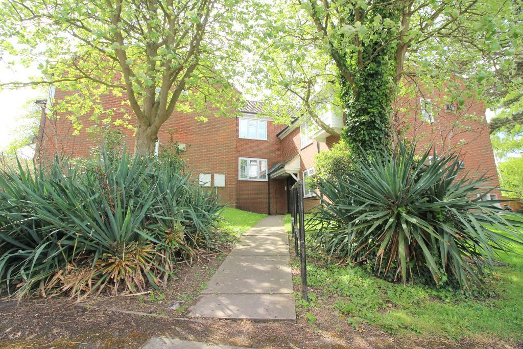 Somersby Close, Luton, Bedfordshire, LU1 3XB